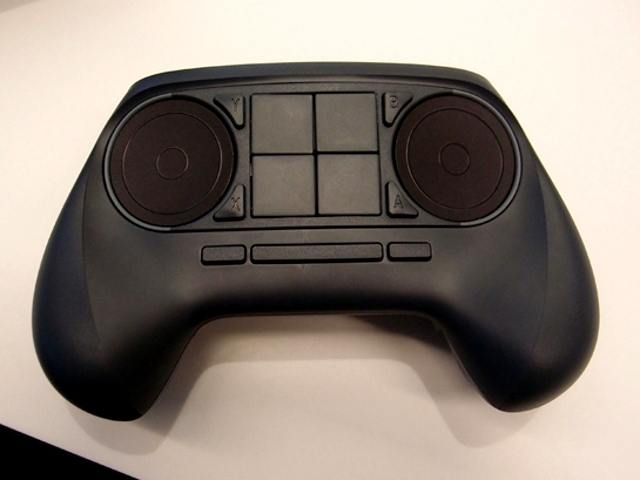Still-shot-of-the-Valve-prototype-gamepad-from-CES-2014