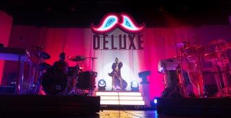 2019-10-10-DeluxeLight06